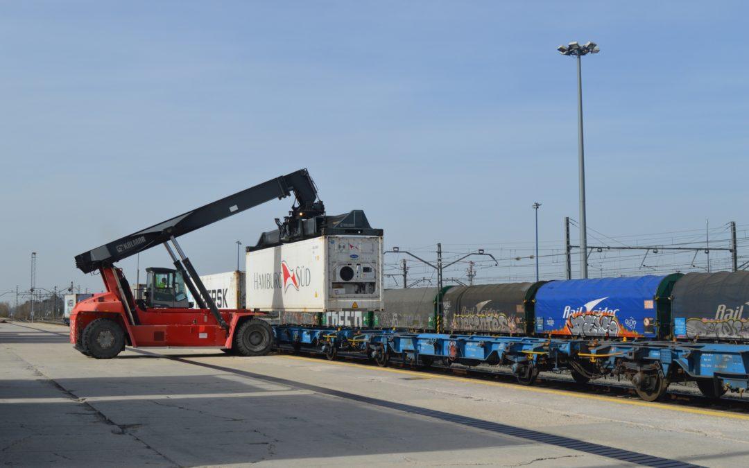 Primer envío de contenedores refrigerados desde Puerto Seco de Burgos.