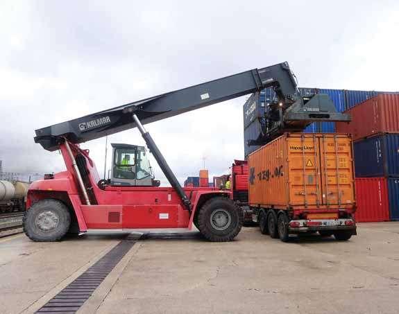 El Correo de Burgos se hace eco del servicio de contenedores refrigerados y los planes de ampliación en el Puerto Seco